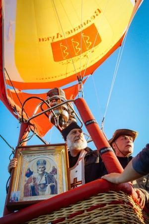 Церемония освящения города из корзины воздушного шара состоялась в Великих Луках