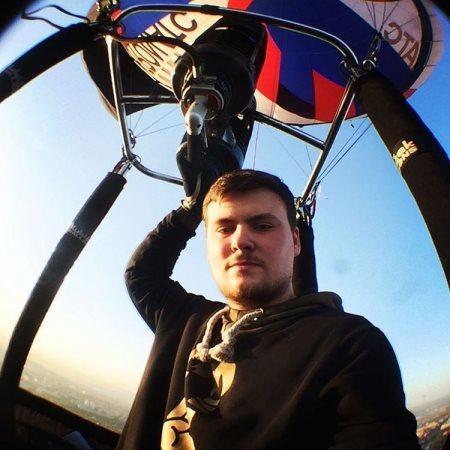 Первым пилотом, заявившимся на 23-ю Международную встречу воздухоплавателей в Великих Луках, стал Дмитрий Жохов из Тулы